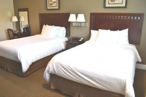 Welcome To North Bay Inn - Two Double Beds With Vanity Area